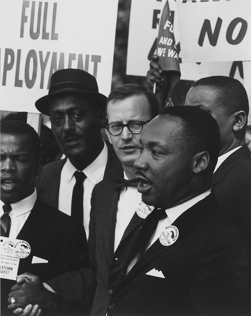 800px-Dr._Martin_Luther_King_Jr._at_a_civil_rights_march_on_Washington_D.C._in_1963