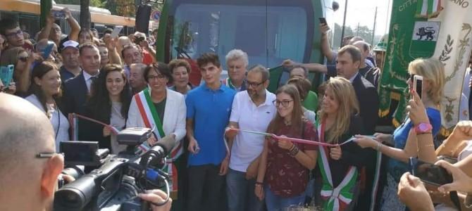 Mobilità. Inaugurata la nuova linea del tram 15. Rozzano più vicina al centro di Milano