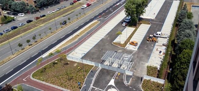 Mobilità. Oltre 150 posti auto e moto, una velostazione videosorvegliata e una ciclabile: aperto oggi il nuovo parcheggio di interscambio Abbiategrasso M2