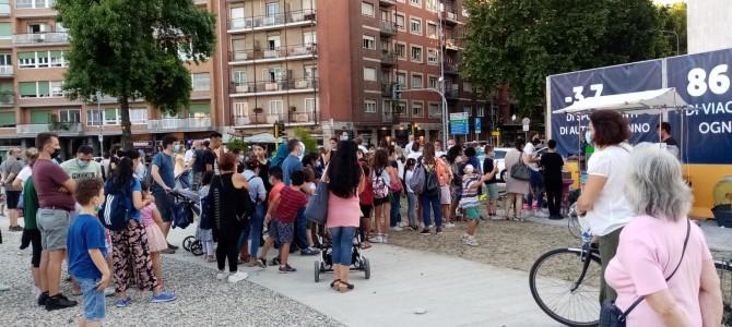 Piazza Frattini, il quartiere comincia a vivere la piazza. Tante le migliorie